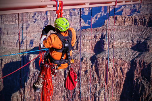 Full-Body-Harnesses-AHS-Rescue