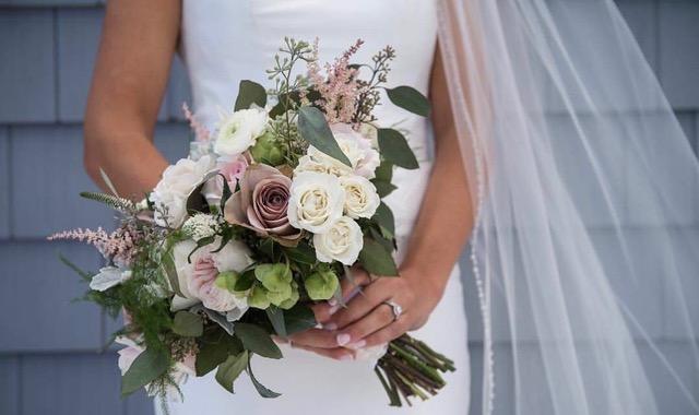 Blooms testimonial image home